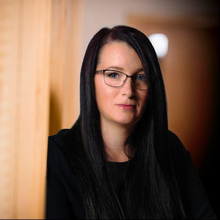 Vicky Hart
